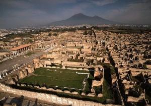 Pompei crolla: incuria o fatalità?