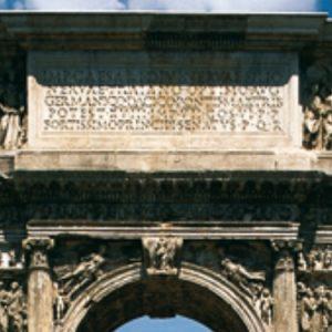 L'Arco di Traiano compie 1900 anni