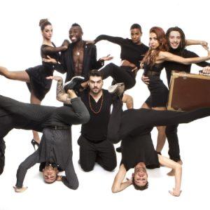 MNAI'S crew in  AROUND. L'hip - hop al Bellini