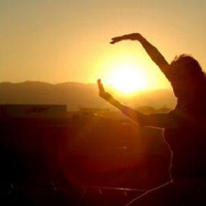 Sole a picco sul mondo, solstizio d'estate
