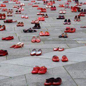 Orrore a Pozzuoli: donna incinta arsa viva dal compagno