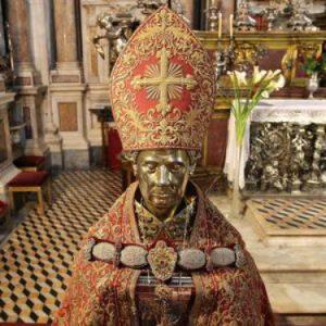 E pace fu: San Gennaro rimane il Tesoro di Napoli