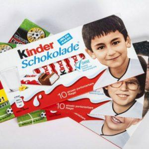 Pegida contro Kinder: no ai bambini neri sulle barrette di cioccolato
