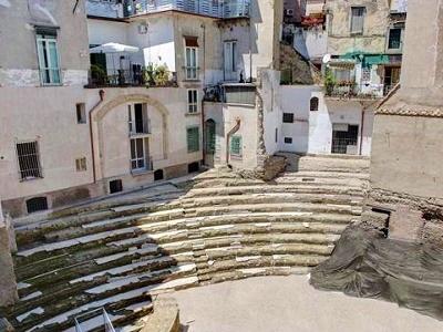 """Anticaglia: il """"vascio"""" che cela un teatro romano art"""