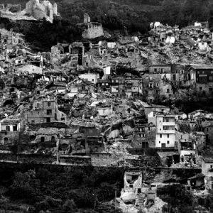 Terremoto, sciacalli, rovine: superare il lutto non è dimenticare