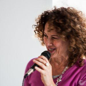 Nancy Brilli racconta la sua Caterina agli studenti