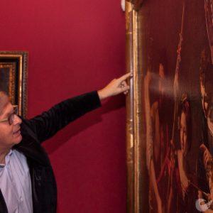 """Sgarbi inaugura """"i Tesori nascosti"""" mostra alla Pietrasanta"""