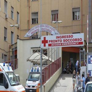 Emergenza ospedali: basta pazienti visitati in condizioni disumane