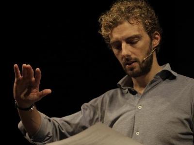 L'arte di essere fragili e il lusso di sognare: D'Avenia al Teatro Diana