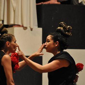 Il gioco delle rose e le sue regole in scena al Teatro Augusteo