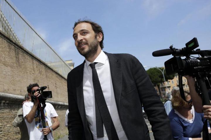 Emiliano Fittipaldi e il giornalismo d'inchiesta contro il potere corrotto