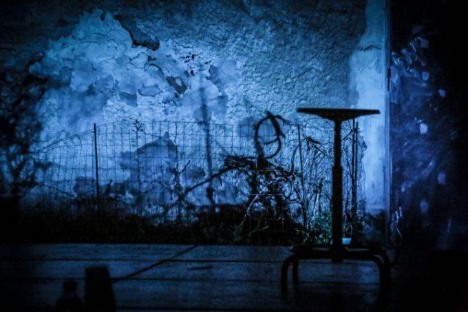 Dita di dama: il volto del coraggio per il Teatro Deconfiscato