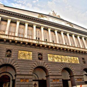 Pranzo di beneficenza per i clochard al Teatro San Carlo