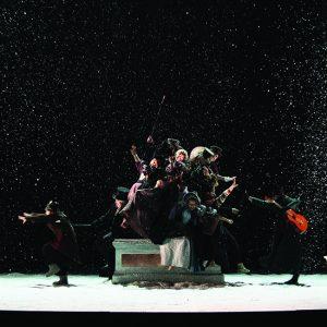 Masquerade di Rimas Tuminas al Mercadante, tra Shakespeare e il gelo