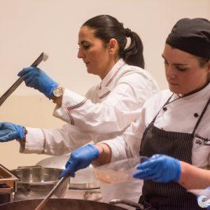 #InsiemeperilTerritorio: oltre 100 eccellenti chef per i ragazzi di Don Luigi Merola