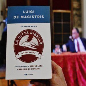 """De Magistris a Telese per raccontare la sua """"Città ribelle"""""""