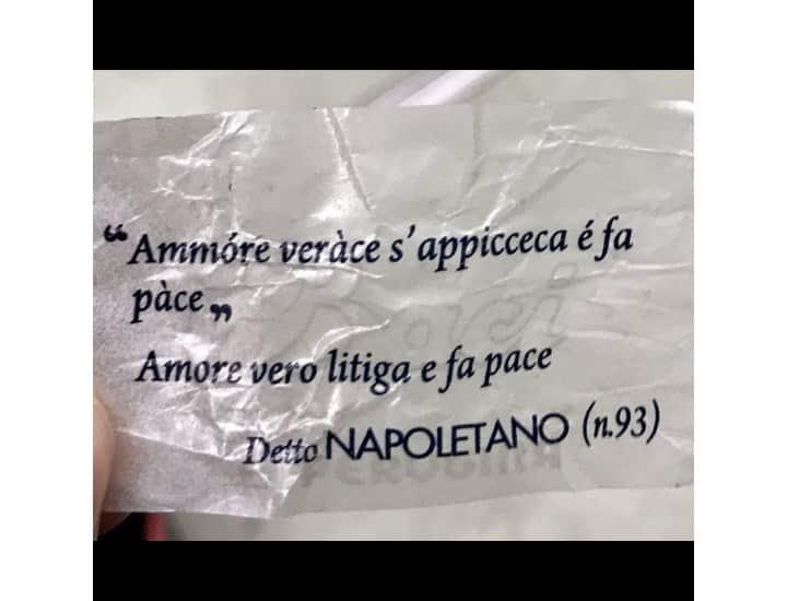 Frasi d'amore in napoletano. Quando il cuore si esprime in musica e versi