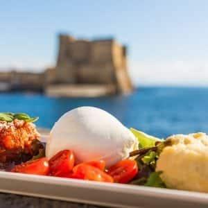 Dove mangiare a Napoli spendendo poco: 5 invitanti proposte