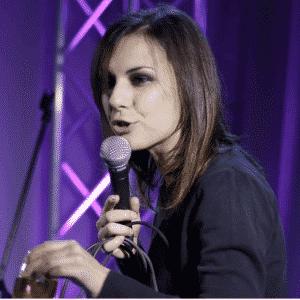 Chiara Avanzo: esprimere il proprio mondo con la comicità | Intervista