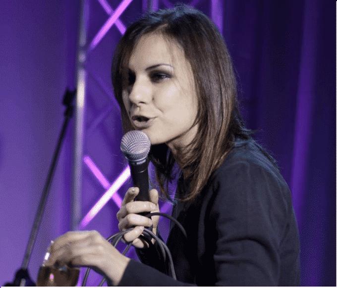 Chiara Avanzo: esprimere il proprio mondo con la comicità   Intervista