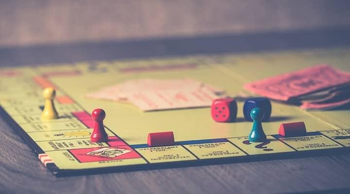 Giochi di società per adulti - la top 10 dei party-game