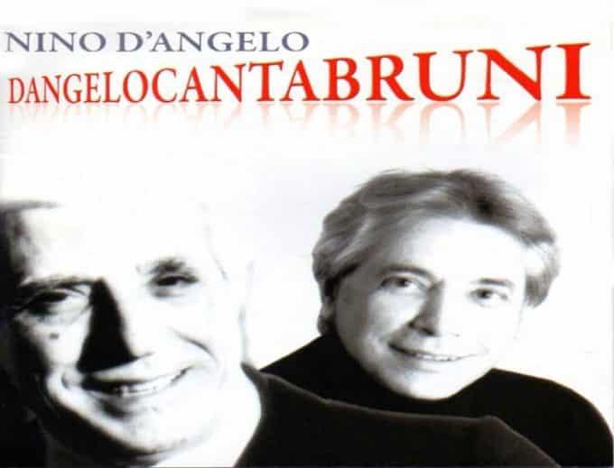 Nino D'Angelo in ''Dangelocantabruni'': l'omaggio alla ''Voce 'e Napule'' al teatro Trianon Viviani