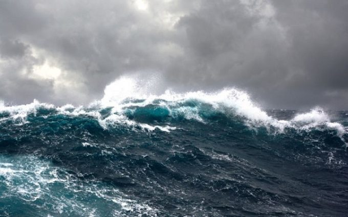 Poesie sul mare e gli ''stati della tempesta'': dalla battaglia all'allegoria