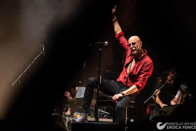 Il rock esplode con il tour dei Negrita al teatro Augusteo