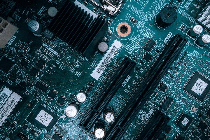 Presente e futuro oltre la legge di Moore