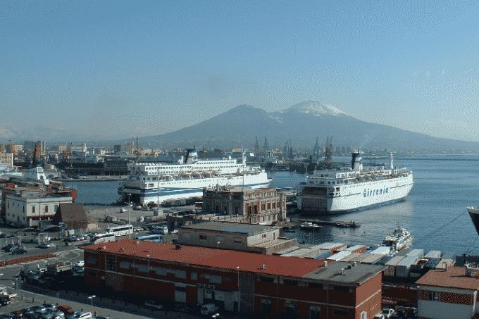 Porto di Napoli: un rapporto di interdipendenza con la città