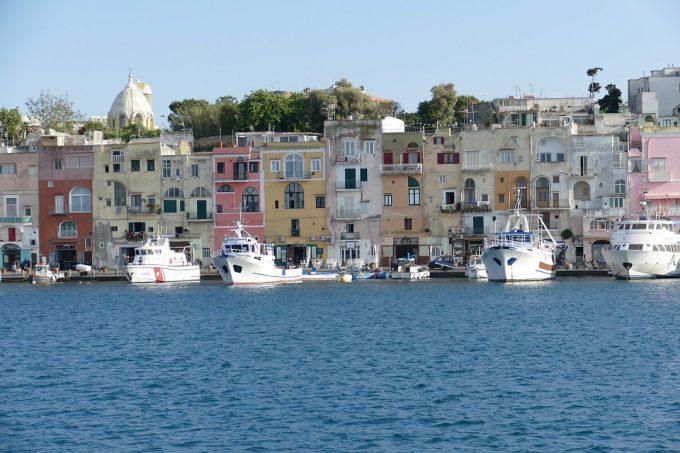 Isolette italiane incantevoli dove trascorrere le vacanze