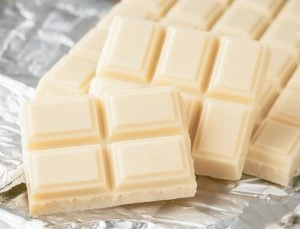 Cioccolato bianco: i segreti della sua produzione