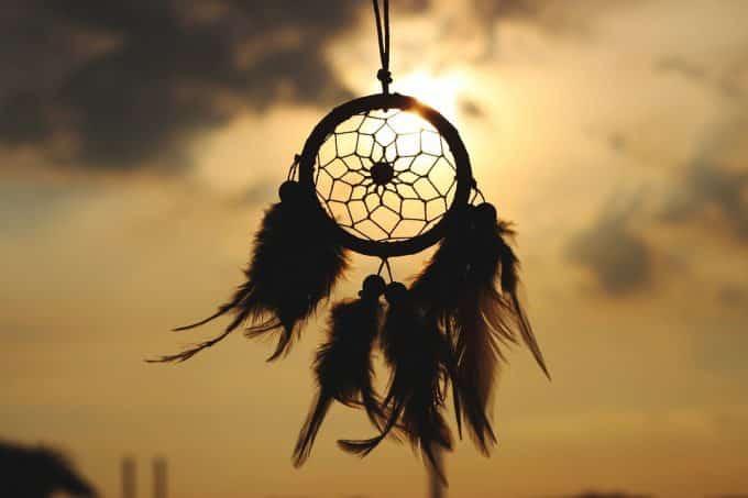 Sognare parenti morti, tra superstizione e psicologia