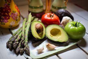 Dall'antipasto al dolce: 4 ricette per una cena vegana
