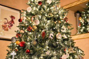 Luci di Natale: tutti i trucchi per risparmiare