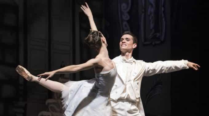 La Bella Addormentata al Teatro Bellini: la magia del balletto