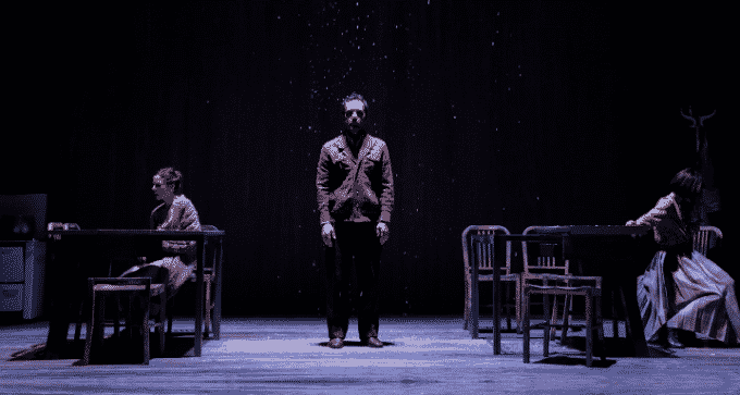When the rain stops falling: un viaggio genealogico al Teatro Bellini
