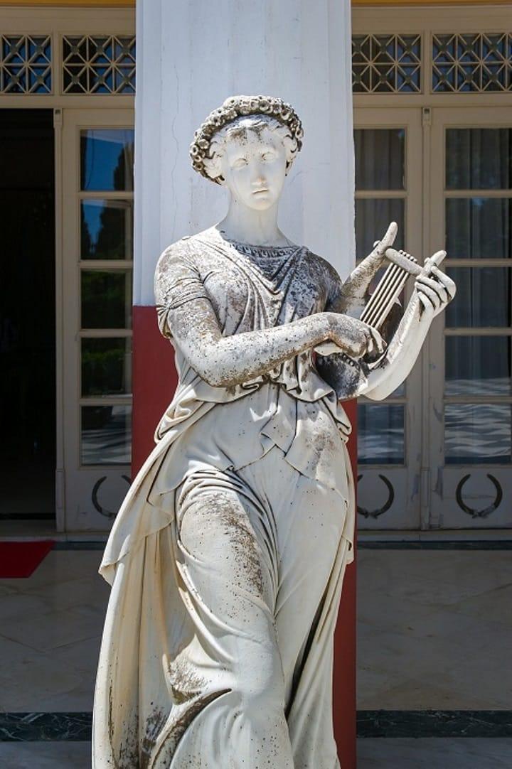 Muse e mitologia: figlie di Zeus, madri della cultura greca