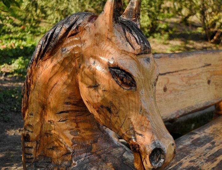 Sculture in legno: l'arte dell'intaglio