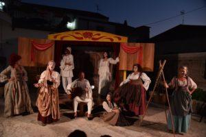 Martedì 28 luglio, La Mansarda Teatro dell'Orco presenta Il Carro dei Comici