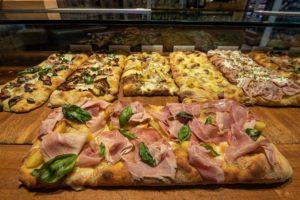 A Sant'Anastasia, S.QUI.SITO la boutique gastronomica con braci e cucina del gruppo Ciro Amodio: gua...