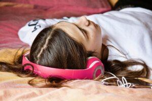 Adolescente: i suoi mondi e i suoi linguaggi