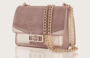 Pochette e clutch targate Carpisa: un accessorio ideale per le occasioni speciali