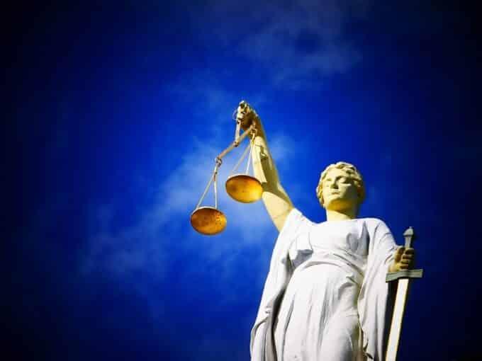 Legge Bacchelli: supporto e tutela economica agli artisti
