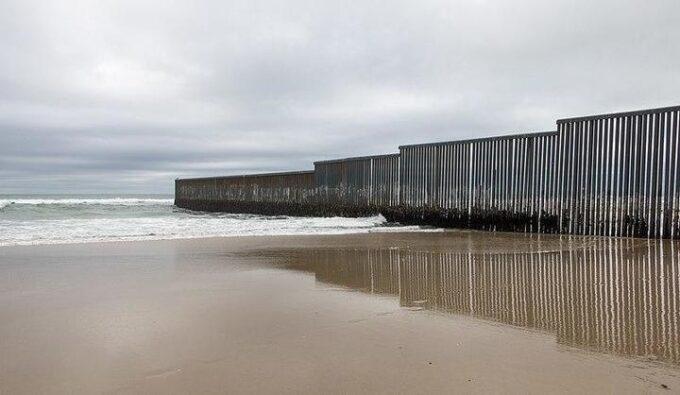 muro di Tijuana