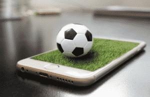 Internet e calcio tra dirette sempre più streaming, social e scommesse