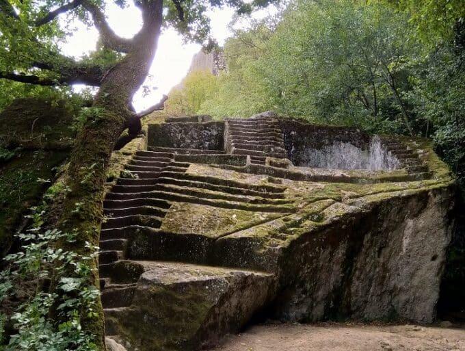 Le piramidi in Italia: le ipotesi sulla loro costruzione