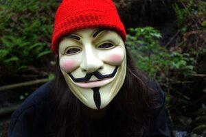 """Le curiosità dietro al capolavoro di James McTeigue """"V per Vendetta"""