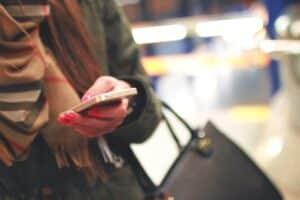 Comunicazioni con i clienti, le aziende scelgono l'sms marketing: tutti i dati