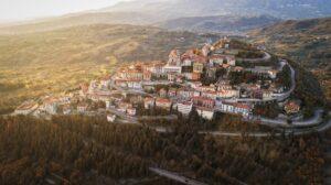 Il borgo di Palomonte: ancestrale e bucolico